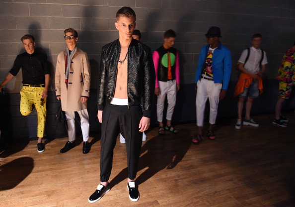 DSquared2+Backstage+Milan+Fashion+Week+Menswear+QzSFUmqZNMDl