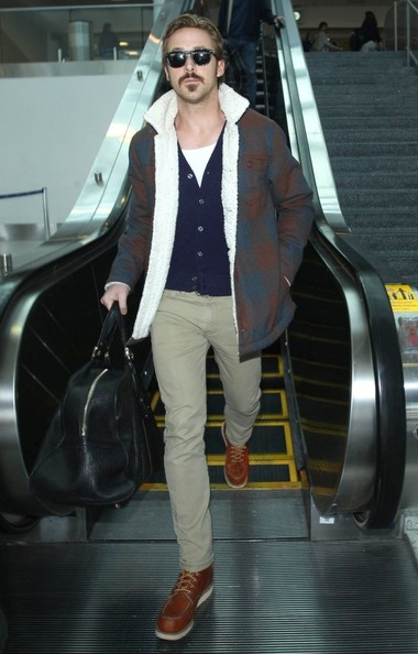 Ryan+Gosling+Arriving+Flight+LAX+SRQeYsQezHbl