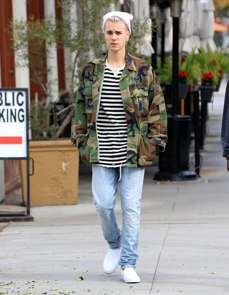 Justin+Bieber+Out+Beverly+Hills+sskepkxeY20l